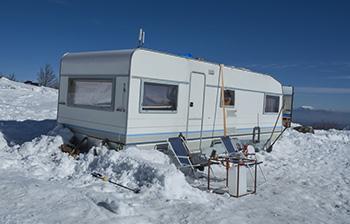 Le camping-car au pied des pistes de ski